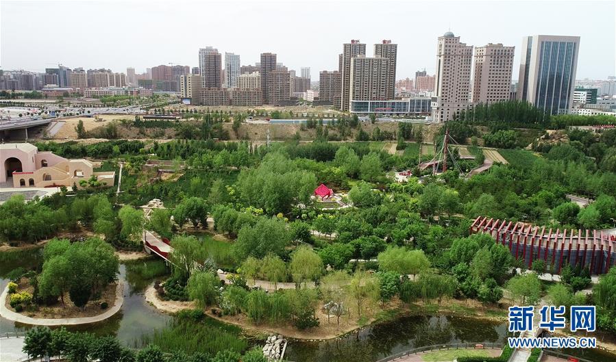 """(""""中国面貌""""系列述评·图文互动)(5)奇迹中国——70年中国面貌变迁述评之一"""